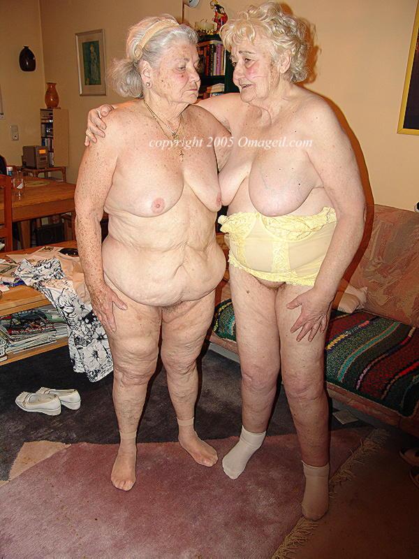 Amateur Big Tits Lesbian
