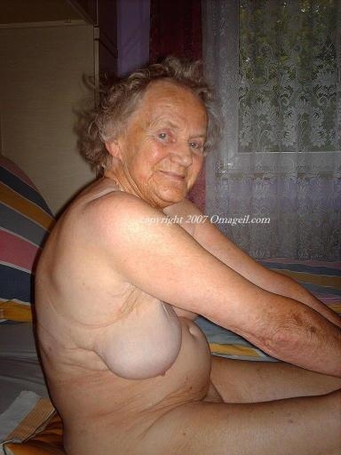 Omapass very old chubby granma has sex with household goods 9