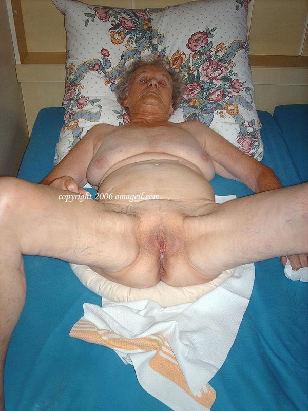 Omageil collection photo of old horny woman 2