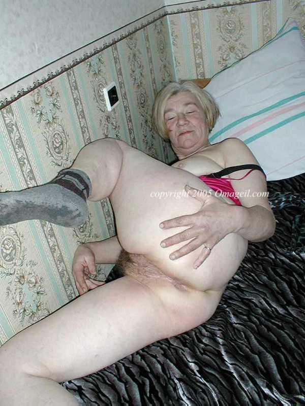 Granny gagger porn
