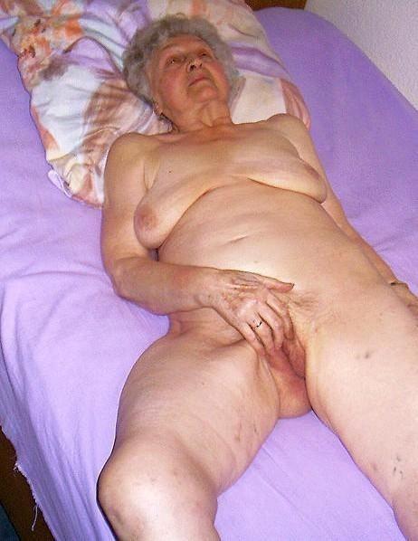 старая бабка ебеться фото